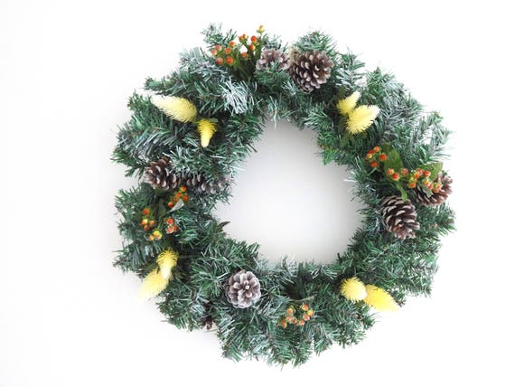 https://www.etsy.com/uk/listing/570078417/christmas-wreath-spruce-style-with-white?ga_order=most_relevant&ga_search_type=all&ga_view_type=gallery&ga_search_query=christmas%20greenery&ref=sc_gallery_12&plkey=d7de81bbedcfddaed6f0fb5d97e73411e06a17fa:570078417