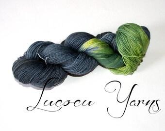 Hand-dyed sock yarn 4 x 100 g 'green cat'
