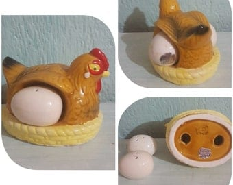 Hen and eggs salt and pepper shakers