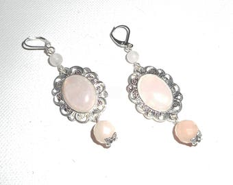 Earrings with rose quartz stones