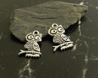 4 silver OWL charm pendants