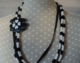 Necklace black and white trapilho and recycled inner tube