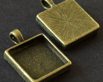 Medium antique bronze cabochon square 20 x 20 mm
