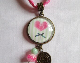 """Little sweet heart"" necklace, bronze cabochon, costume jewelry"