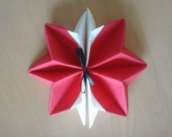 Set of 15 folded star snowflake white and red towel