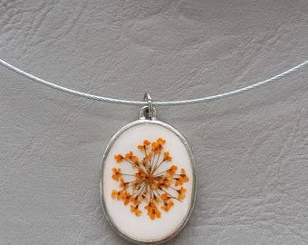 Choker + oval pendant, resin and dried Orange Flower
