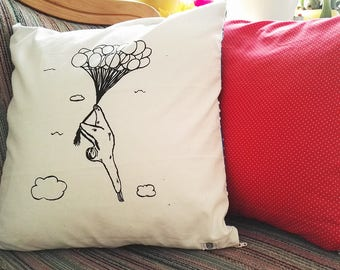 Cushion with Sloth, silkscreen on the front, colourful fabric on the back side