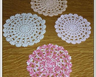 SET OF FOUR PLACEMATS ROUND DIFFERENT SIZE - NEW - HANDMADE