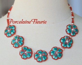 Flower necklace porcelain - 7 flowers porcelain green and Red
