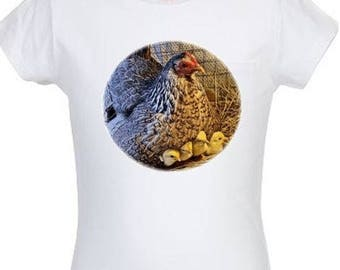 Women's T-shirt with hen and chicks