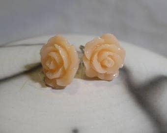 Small apricot flower romantic retro resin earrings