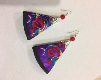 1 Pair Handmade Vintage Chinese Wind Embroidery Silk Fabric Dangle Earrings
