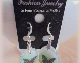 Hoop earrings - Dangle green butterflies on hooks