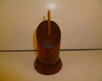 Socle en bois pour figurines bustes rond à pan coupé. sbpcraca2