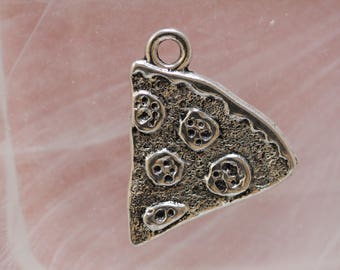 silver metal pizza charm