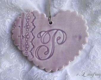 Heart Purple personalized earthenware, wavy, edges of embroidery, letter 'P'
