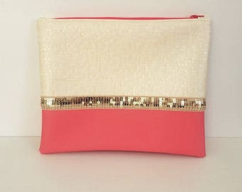 Maxi cover bimaterial white embossed leatherette off Pearl/coral gold glitter.
