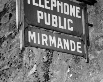 Mirmande public telephone - Provence Drôme, August 2014