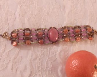 Bracelet with stones of various colors