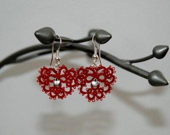 Earrings grey hearts by Filartistique tatting