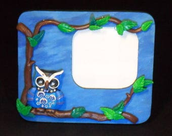 Wooden frame painted by hand and his flowered OWL
