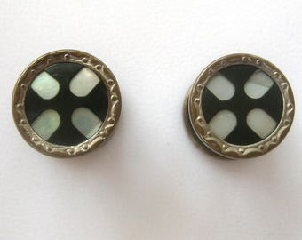 Mother-Of-Pearl and Onyx Silver-tone Snap Cuff Links