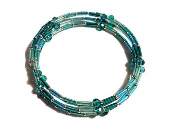 Bracelet ranks turquoise and silver beads