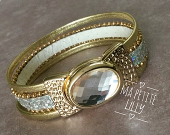 Chic gift Bracelet with a faceted jewel color antique gold and Crystal closure