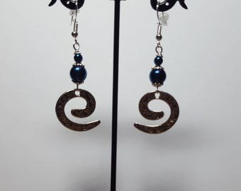 Genuine blue Hematite and hammered spiral earrings