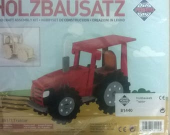 WOODEN TRACTOR CONSTRUCTION KIT