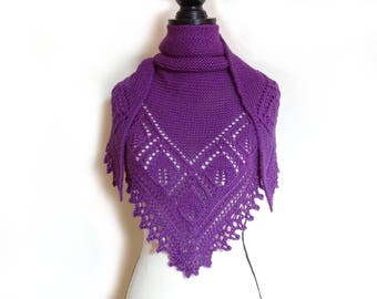 Purple plum hand knitted lace shawl, purple plum alpaca/silk lace shawl, triangular shawl with leaf pattern, warm shawl, gift for her
