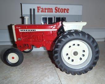 IH Farmall 1206 Ertl Toy Farm Tractor