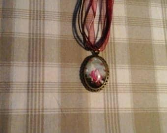 """""""Cabochon"""" pendant necklace oval rabbit design"""