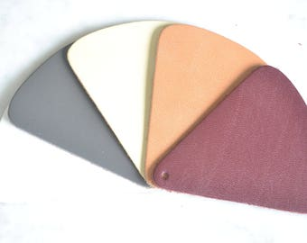 Set of 5 assorted leather scraps