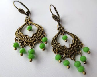 Earrings romantic, model victory in brass and green glass beads