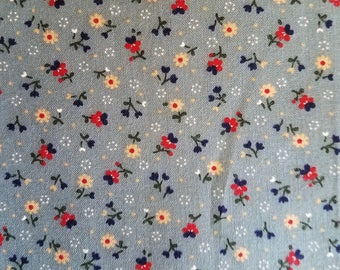 Country Floral Pattern Odd Cut Fabric