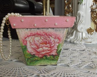 planter wooden Shabby chic decorated with old roses