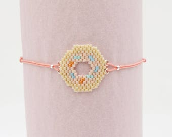 Camel and pink colors Donut bracelet mounted on wire coulissable
