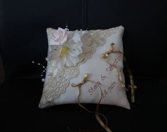 lace cushion gold