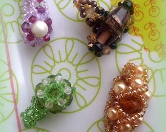 Set of 5 beads rings *.