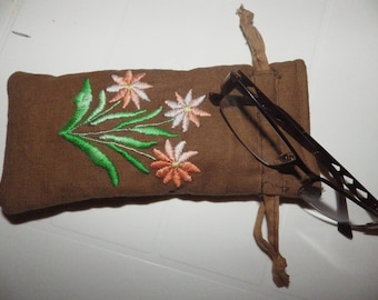 a soft glasses case embroidered in Brown linen