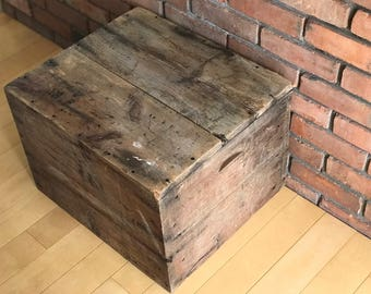 Large Vintage Shipping Crate, Old Wood Box, Old Shipping Crate, Shipping Box, Rustic Wood Crate. Rustic Box. Coffe Table