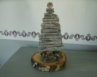 tree bark wood on wood slice base