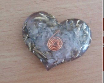 Stunning Alouminite heart with rose quartz perfect gift for yourself or a loved one