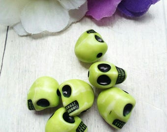 SET OF 6 BEADS DISTRESSED ACRYLIC GREEN SKULL