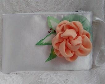 Peach bridesmaid clutch Bridal clutch Bridesmaid purse Wedding clutch Bride clutch Bridesmaid bag Clutch flower Peach wedding Wedding purse