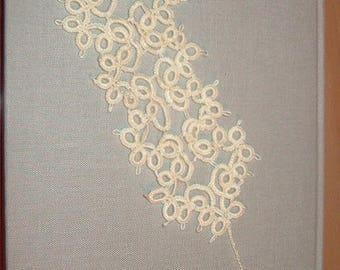 Handmade tatted bookmark