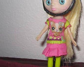Doll - 4 1/2 Blythe Littlest Pet Shop Doll
