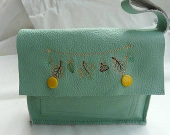 Flap embroidered with strap soft leather clutch