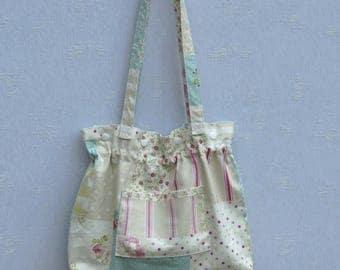 Handbag for summer color.